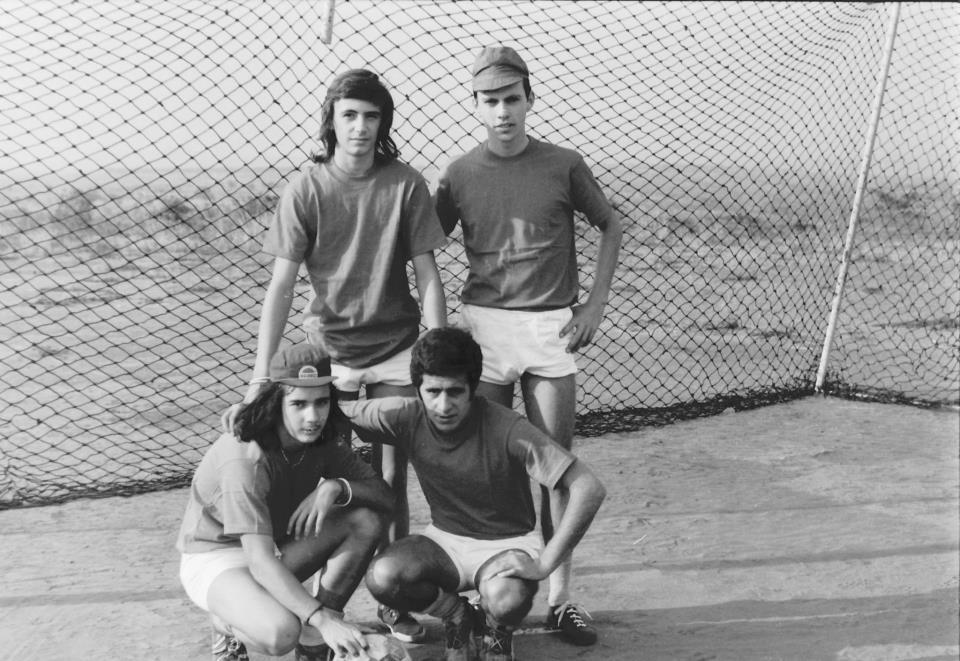 Jogo Andrada-Dundo em 27-07-1974  (resultado 0-4) António Joaquim e Licino. Em baixo: Ruca e Beja
