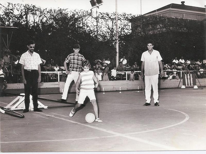 Carlos Pinto, Vicky Paes Martins e Chico Simons com a Zezinha Gameiro