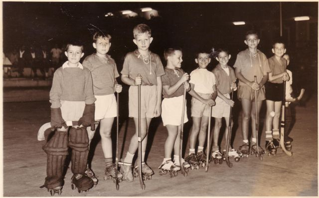 Dundo-1961 O guarda redes parece o filho do Mário Machado ;  Luis Matos, Quim Albuquerque Matos e a seguir Quim Silva Neves e Toy Soares Salgueiro, Bilocas e Fifas?
