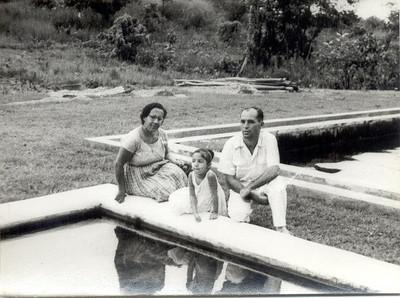 Janeiro 1960, Enfº Garrido, esposa e filha