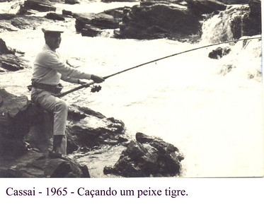 Cassai, 1965,  Dias Mendes caçando peixe tigre