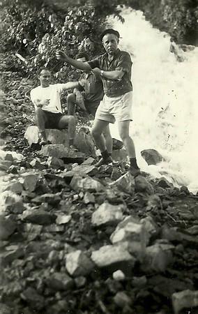 À esquerda Manuel Fonseca e Joaquim Saldanha - Lucapa, 1966