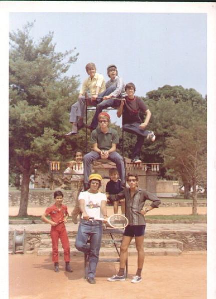 irmãos Fraga, Henrique Neto, Fernando Mesquita sentado na cadeira do arbitro, Lena Jaime Santos,  Paulo Mariano Dores,??