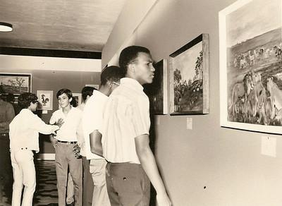 1970-Virgilio, Carlos Pereira -(irmão da São e do João ) Macedo O quadro que o Macedo está a ver foi pintado pelo Muata Luna de Carvalho