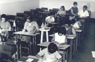 Escola do Cachinde Aulas de pintura-  Professora Mercês Teixeira,