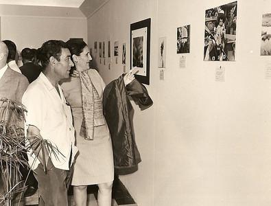Expo,  casal Ze' Santos e uma foto da Lena Norberto Guimaraes com um leao