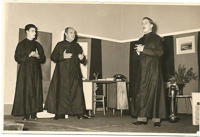 """Teatro """" O Homem das Calças Pardas"""" = Dundo 1961"""