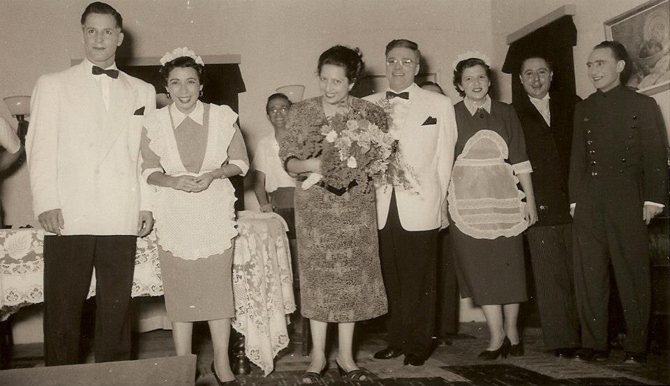Helena Noronha Feio ( com ramo de flores), Leopoldo, Aragão e Brito,  Luisa Aragão e Brito, Casales,