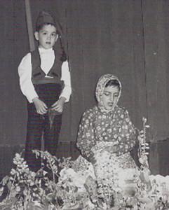 Infância em Flor - 1952 Dueto da Lavadeira    Os actores eram o Jorge e a Neo Tavares Paulo.