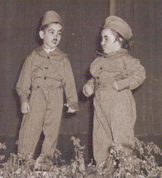 Infância em Flor - 1952 Dueto de galuchos  Os actores são o Jorge e a Sara Sernadas.