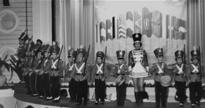 Artes de Magia 1959, Junho  Tininha Vitor Santos (no centro), Luisa Loureiro, Jorge Vitor Santos , o Fifas, o Zézé Melim, o Caíca Teixeira de Sousa e o irmão Bé