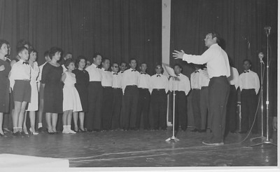 Grupo Coral da Diamang no Dundo no dia 8 de Março de 1963. Maestro -  Manuel Soares Peixoto Luis Neto, Graca Pinto das Gaiolas, sra do Pinto enfermeiro, Tavares, Macedo Simoes, Leonildo Nogueira, Manuel Pereira ......