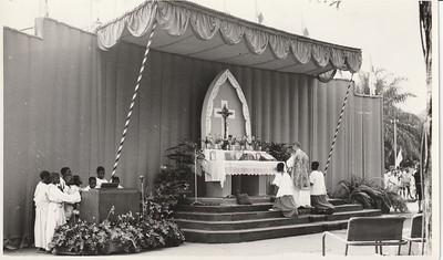 Dundo 1958- Missa Campal