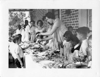 Dundo, 28/09/1960  10º aniversário da Vanda Rosendo