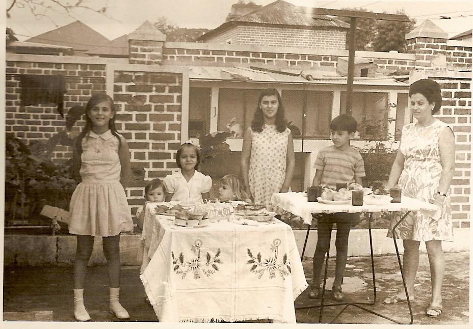 Aniversário Bernardette Peles;  filha do Tomé;  Fatinha Grova; Carlita Coelho;  Fátima Peles; João Grova e mãe