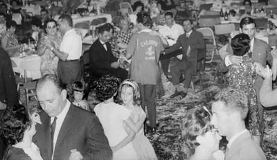 Andrada. Casais: Amaral; Medeiros; Canhão Veloso; José Pereira; Tavares; Rui Inácio; Avó Arminda Malta: Zélinha e Zeca Cardoso com futuro marido