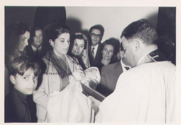 Baptizado primeiro filho Anita Bastos (Manuel)igreja Dundo 24 04 67 Miguno Menconca, Anita Bastos, Mendonca, Dessinha Braz, Zi Valente, Reis, sra do Proenca