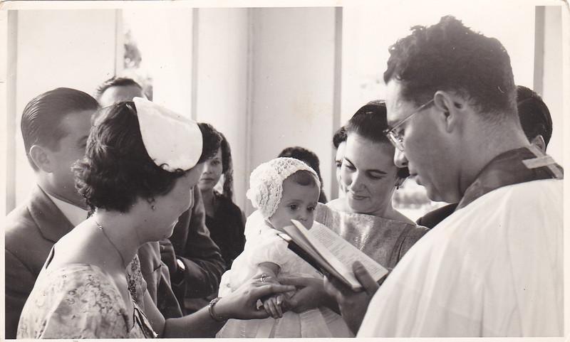 1958 Andrada,  Baptizado Guida Tavares  Padre Casimiro, pais Tavares