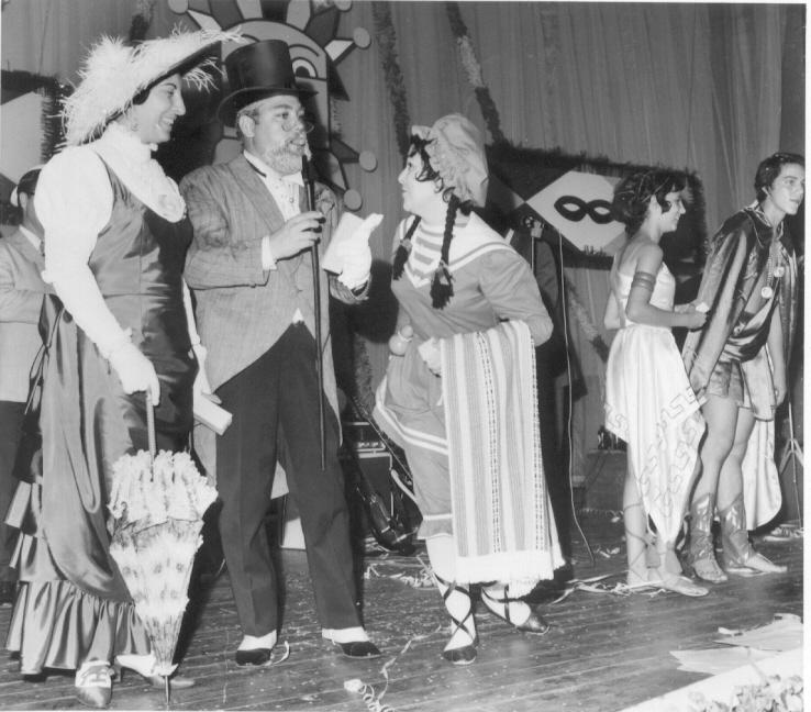 Carnaval 1971  D. Helena e Manuel Pereira, ?, Vandinha Teixeira e Rui Paulo Fernandes