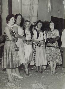 Andrada D. Ester Melo Abreu, a D. Almira Sousa , Guida e Marucha Xico Paulos e a D. Lurdes Ramos