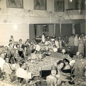 Dundo 1952 -Carnaval - Baile das chitas Casal Dinis, casal Sotta, o Eng.º Noronha Feyo, o Eng. Sucena e a Benvinda Ferreira