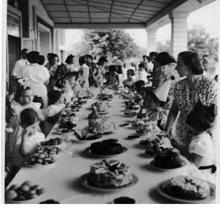 Dundo 1952 Carnaval - Domingo gordo - lanche e prendas