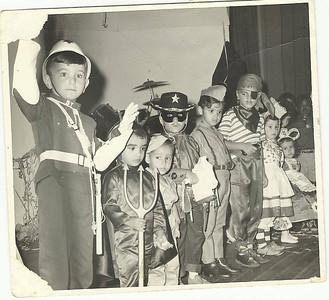 Carnaval Dundo, Saloia - Rosarinho Patuleia Magala- Teresa Patuleia  Policia - Jorginho Duarte