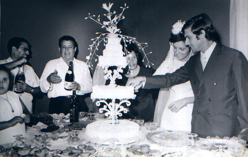 Andrada, 11/07/71. NANDA FERREIRA DA SILVA E Raul. Tavares, Gloria Jesus e noivos