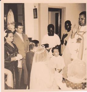 CASAMENTO 24-05-57 - MARIA DO CARMO e JOÃO SACRAMENTO Casal Piedade, Noivos, Luis Veiga, padre ?