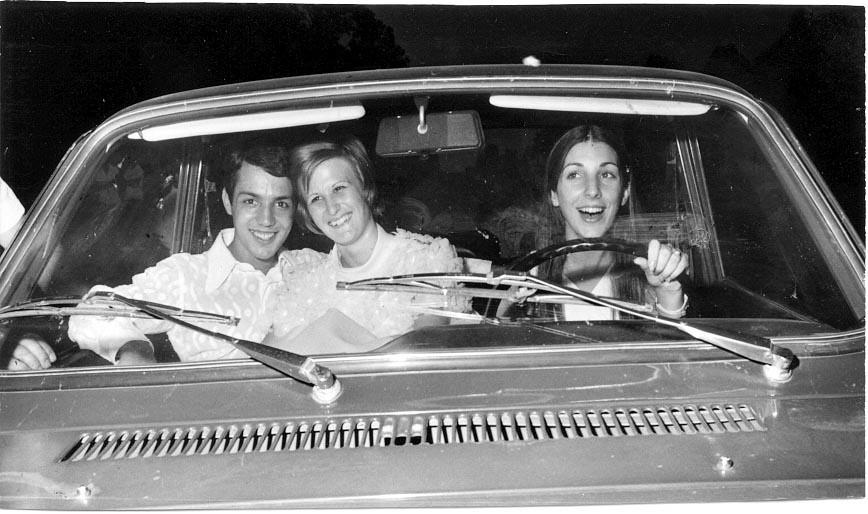 Lukapa.24/9/ 1972. NANY TAVARES E TOZÉ LOURENÇO Tozé Lourenço, Nani Tavares e Zelinha Adalberto