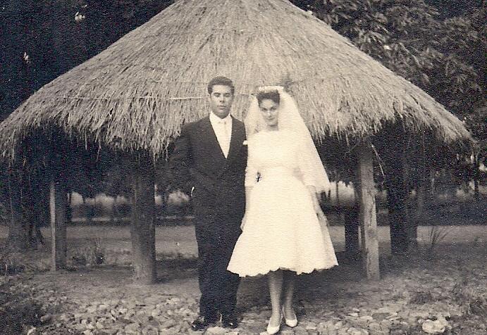 Luaco 8/2/59  Casamento da ISAURA BRITO e BELMIRO PINTO de FREITAS ( casamento em Maludi - foto tirada no Luaco)