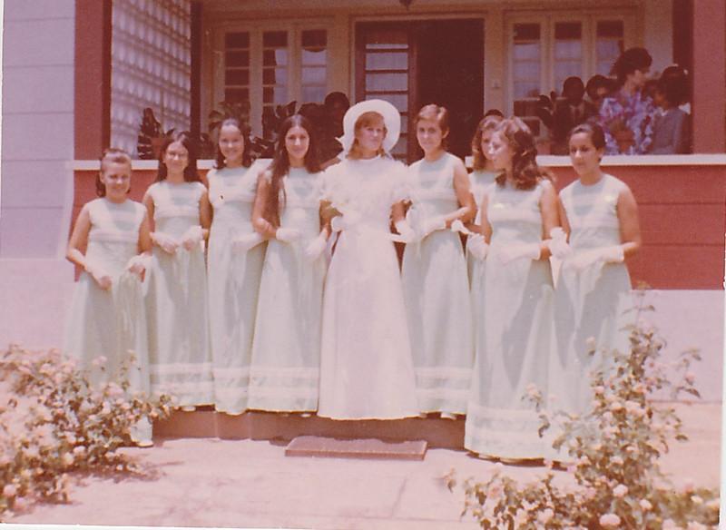 Lukapa. 24/9/1972. NANY TAVARES E TOZÉ LOURENÇO  Fátinha Rosa , Madalena Correia, Ana Isabel, Zelinha, Nany , Guida, Betty Peleja, Paula Borges, Isabella Mendonça