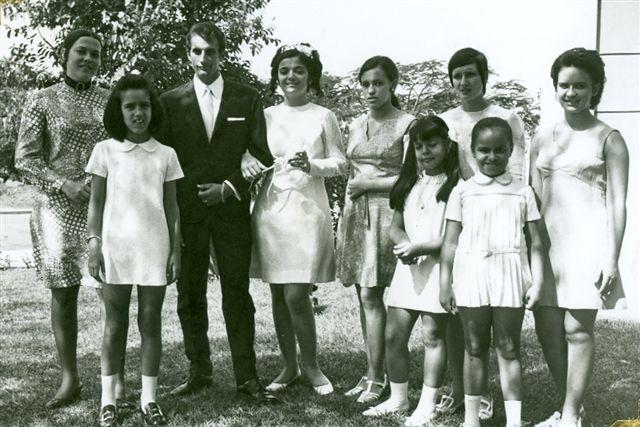 Dundo. 1972. FILHA DO VALDEMIRO E CÉSAR Vanda Rosendo, Cesar, filha do Valdemiro, Luisa Madureira, Mélita Correia De Oliveira, Nany Serraventoso,  Nany Pereira