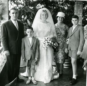 Dundo. 18/04/1960.ANITA BASTOS E VASCO PAULO. Alberto Bastos, Luís Filipe (Pipas), Ana Maria (Anita),Maria Diamantina (Bia) e Carlos Alberto (Lipata)