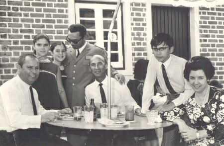 Patuleia e filhas, Dr. Saramago e casal valente e filho Luis