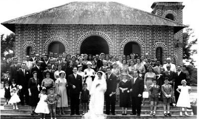 Dundo. 1957. MILA E ANTÓNIO REIS.Igreja do Dundo