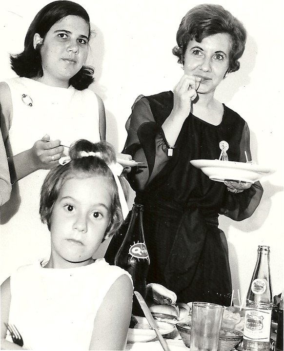 No casamento do Pina 20.09.1970  Luísa Aragão e Brito, Fina Firmino, Paula Firmino