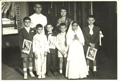 Padre João Domingos Terças e Catequista Dª Dores.  Dundo 09.08.1958