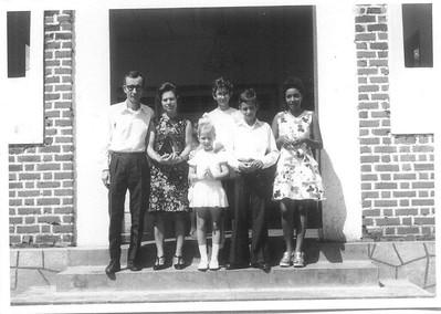 1ª comunhão da Natalia Ribeiro em Andrada. Abril de 1974