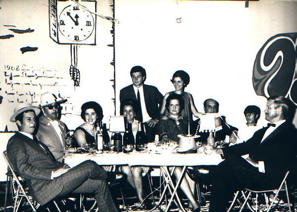 1968-69 - Familias: Pinho Barros, Dr. Jaime Santos e Ferreira da Silva  Mauel Fernando, Dr. Jaime Santos e esposa, Mariazinha Pinho Barros, Ze' Manel e Nanda com os pais Ferreira da Silvas, Paula  e pai Pinho Barros