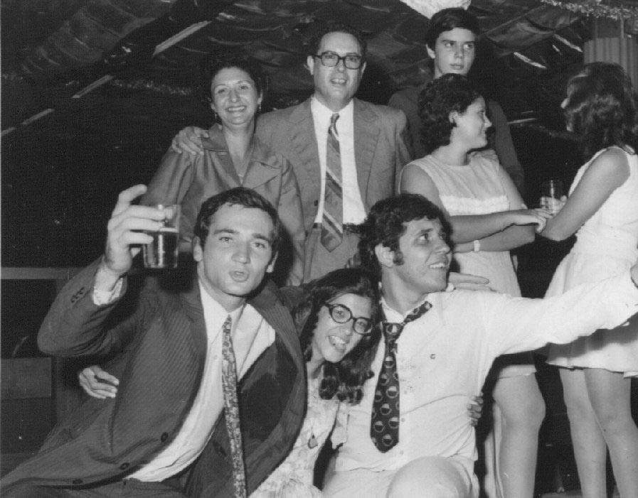 Fim de Ano 72-73  Casal Reis, Isabel Reis, Isabel Santos, Pipas, Micota Ressurreição, Saro e Jorge Viegas