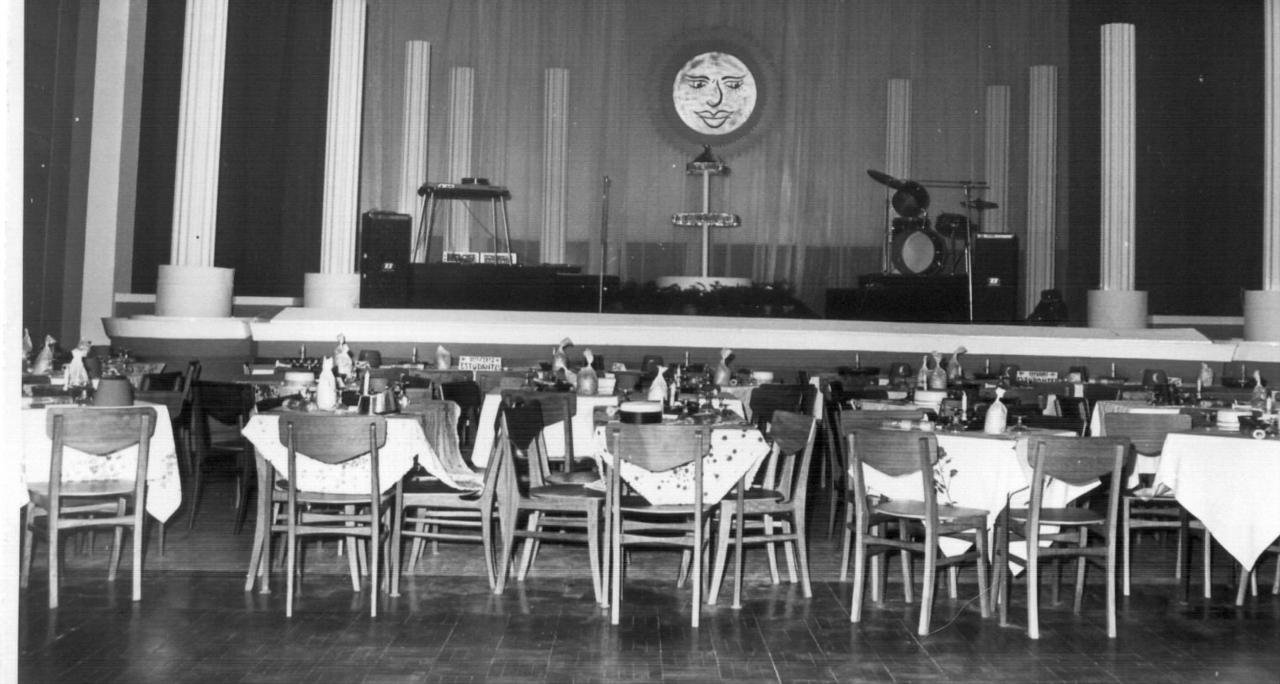 Sala preparada para o fim de ano de 71/72