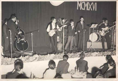 Páscoa 1966 - conjunto do Dundo Mário Santos David
