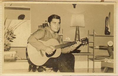 Carlos Aires Marques tocando