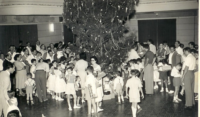Natal Dundo 1955? Teresinha Misseno Grilo, Mario Correia, Eng.º Sucena, Quim Bexiga?, casal Melim, Cristalina Calisto
