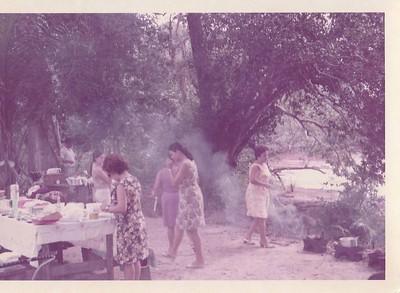 Albina Alfredo Pereira, casal Gastao e amigos junto do Luachimo