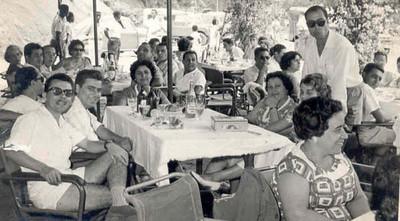 Inauguracao da Piscina de Andrada Antonia Cardoso em primeiro plano