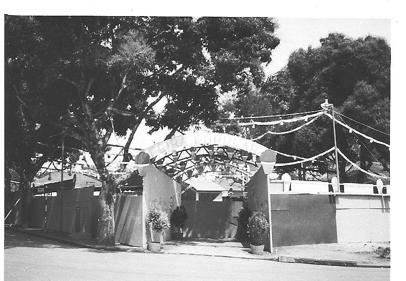 Santos Populares no Dundo em frente as arcadas da Casa do Pessoal
