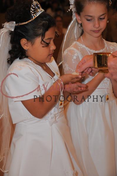 Communion 2008-AM Mass-238