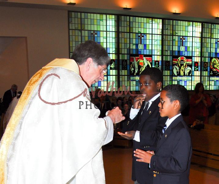 Communion 2008-AM Mass-137